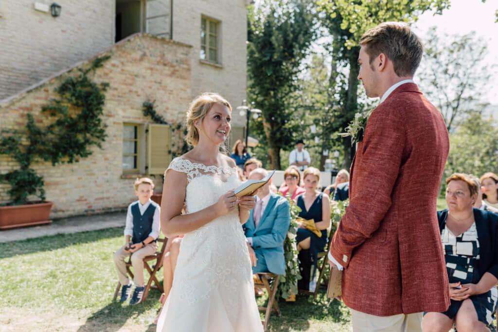 bruidspaar bij Villa Marsi ceremonie