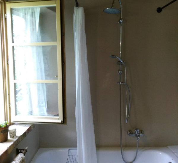 Villa Marsi badkamer Roma met ligbad