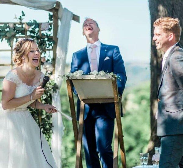 Villa Marsi lachend bruidspaar