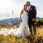 bruidspaar trouwt in italie
