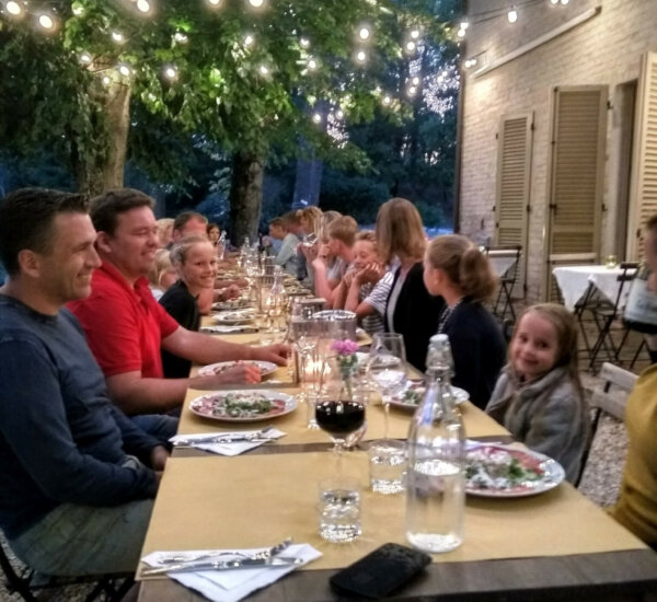 villa_marsi_diner_tafel_zomergasten